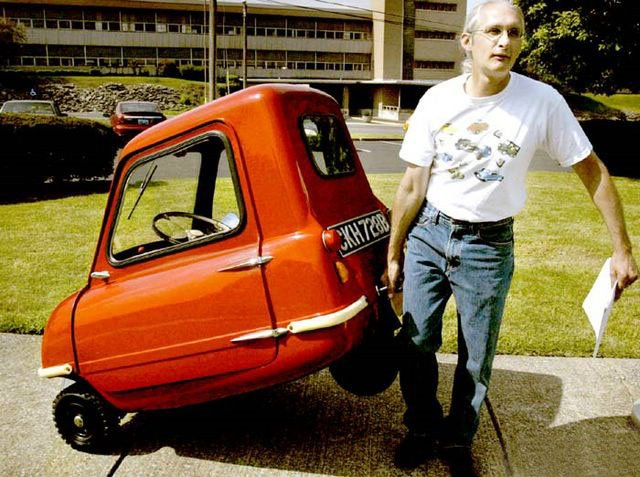 Самый маленький автомобиль в мире стал электрокаром 1