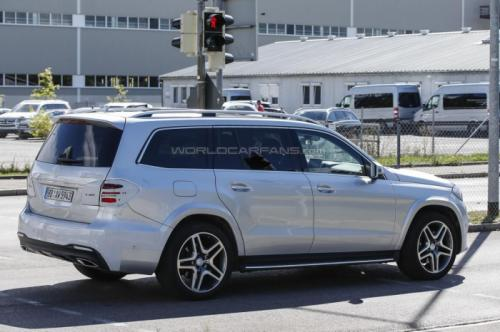 СМИ впервые заметили 2016 Mercedes-Benz GLS  3