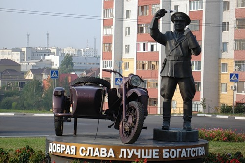 Памятник честному ГАИшнику будет перенесен 1
