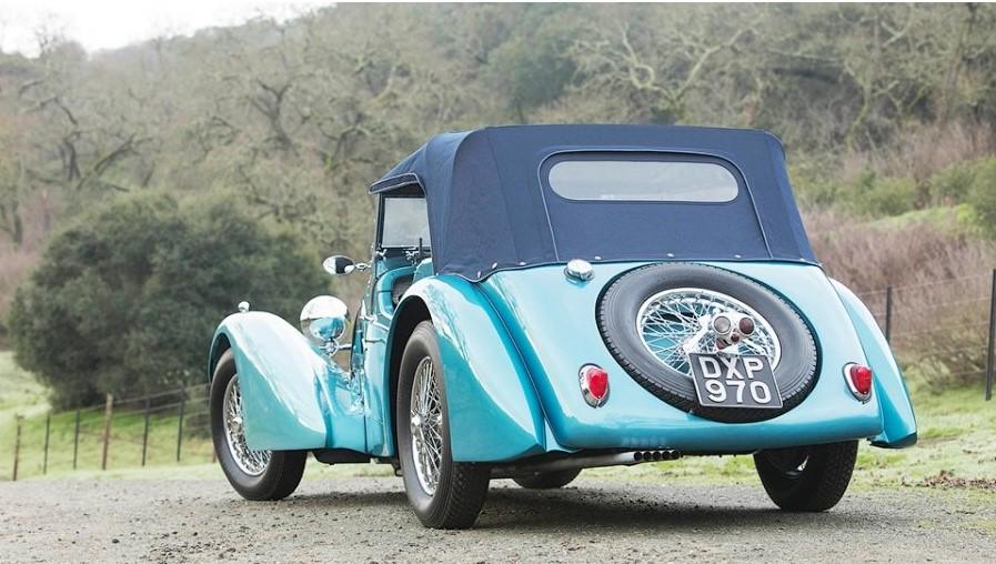 Bugatti, выпущенный в 1937 году, продан за 10 миллионов долларов 4
