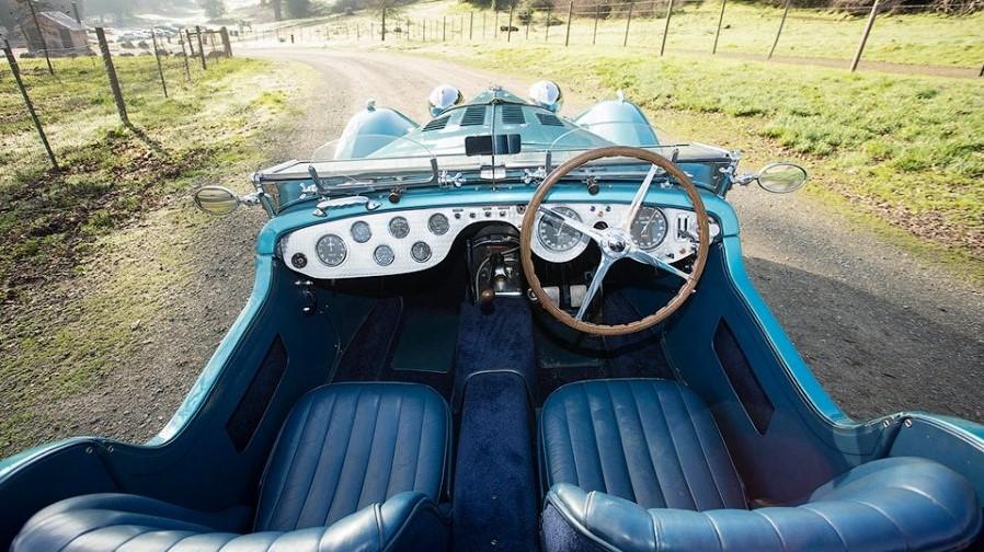 Bugatti, выпущенный в 1937 году, продан за 10 миллионов долларов 3