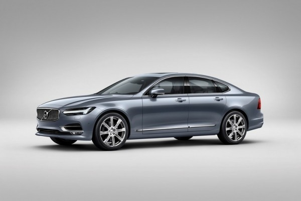 Стали известны цены на новые модели Volvo S90 и V90 1