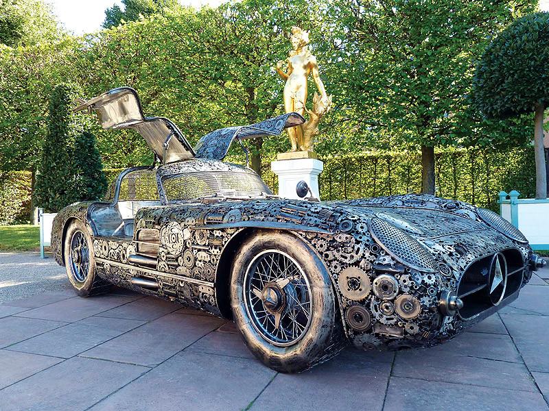 Невероятно, но факт: шикарный раритетный автомобиль собран из металлолома 2