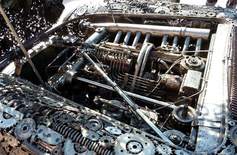 Невероятно, но факт: шикарный раритетный автомобиль собран из металлолома 6