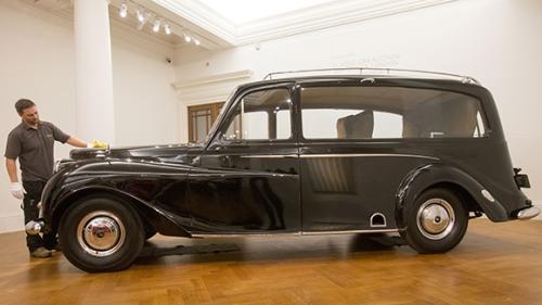 На аукционе не нашлось желающих купить машину Джона Леннона 2