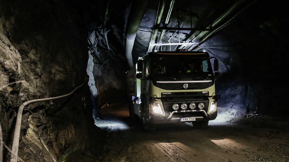 Топ-менеджер Volvo рискнул жизнью на тестах беспилотного грузовика 2