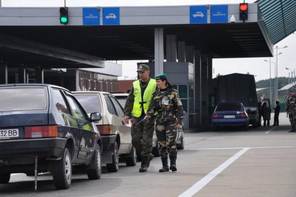 «Сколько стоит» выехать из Украины на авто 1