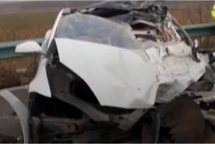 В Tesla расследуют очередное смертельное ДТП 1