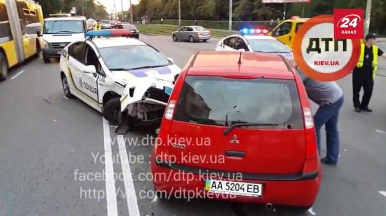 «Минус один»: полицейские попали в масштабную аварию 1