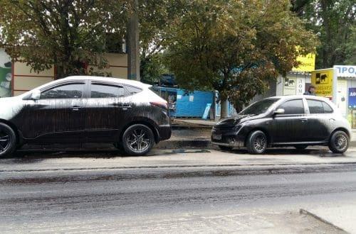 Кто залил смолой припаркованные авто 1