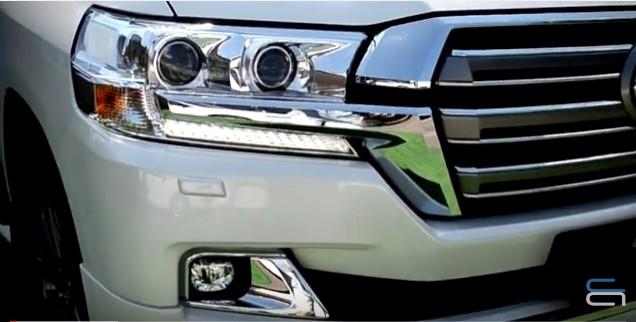 Обзор б/у авто: тест-драйв Toyota Land Cruiser 200 1