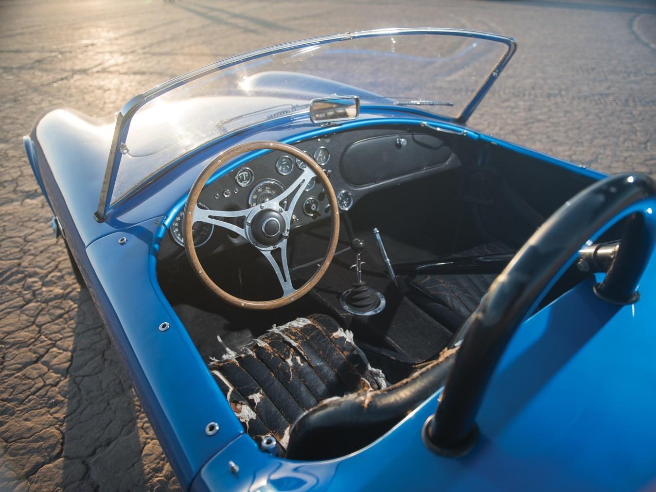 Эксклюзивный Shelby Cobra продан на аукционе за почти $14 млн 3