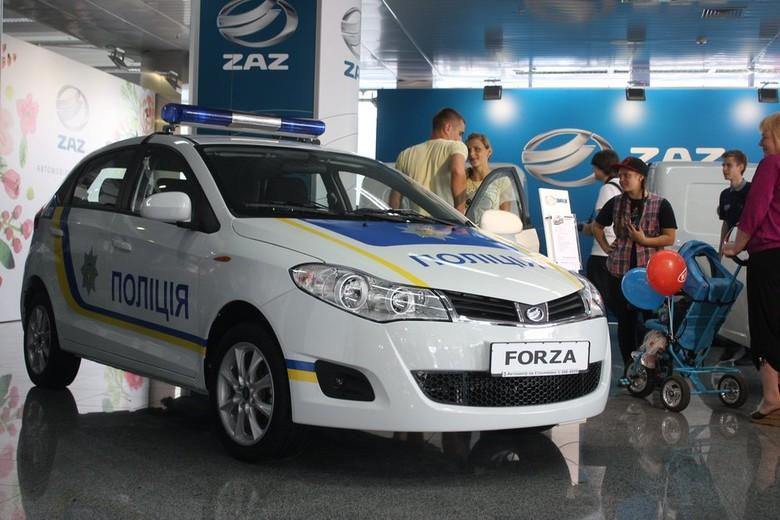 Украинская полиция получила автомобили запорожского производства 1