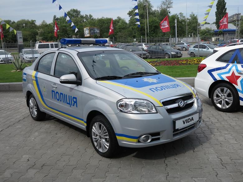 Украинская полиция получила автомобили запорожского производства 2