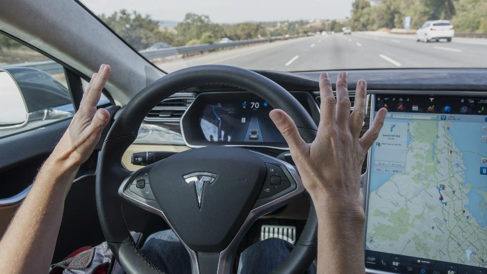 Власти запрещают слово «автопилот» в рекламе Tesla 1