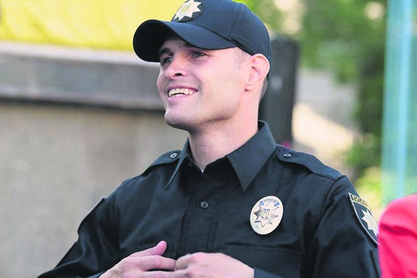 Дорожной полиции в Украине - быть 1