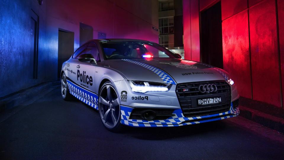 Полиция получила «заряженный» хэтчбек Audi S7 1