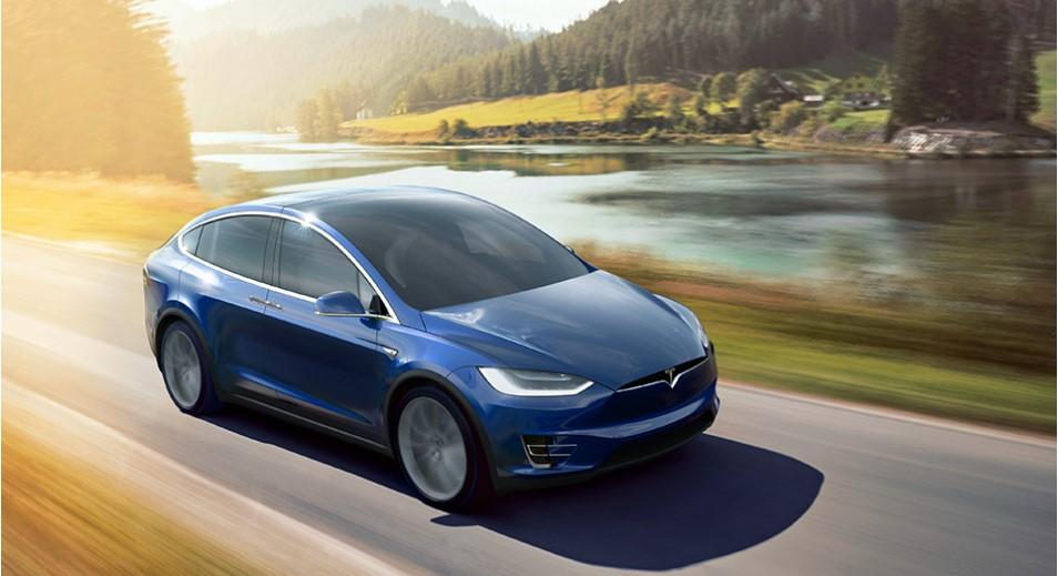 Tesla с «автопилотами» запретили использовать в такси 1