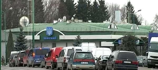 На украинско-польской границе снова огромные очереди 1