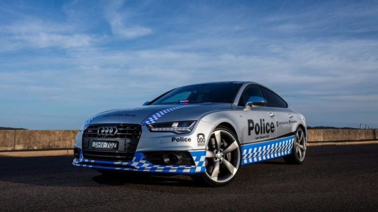 Полицейских пересадят на Audi S7 1