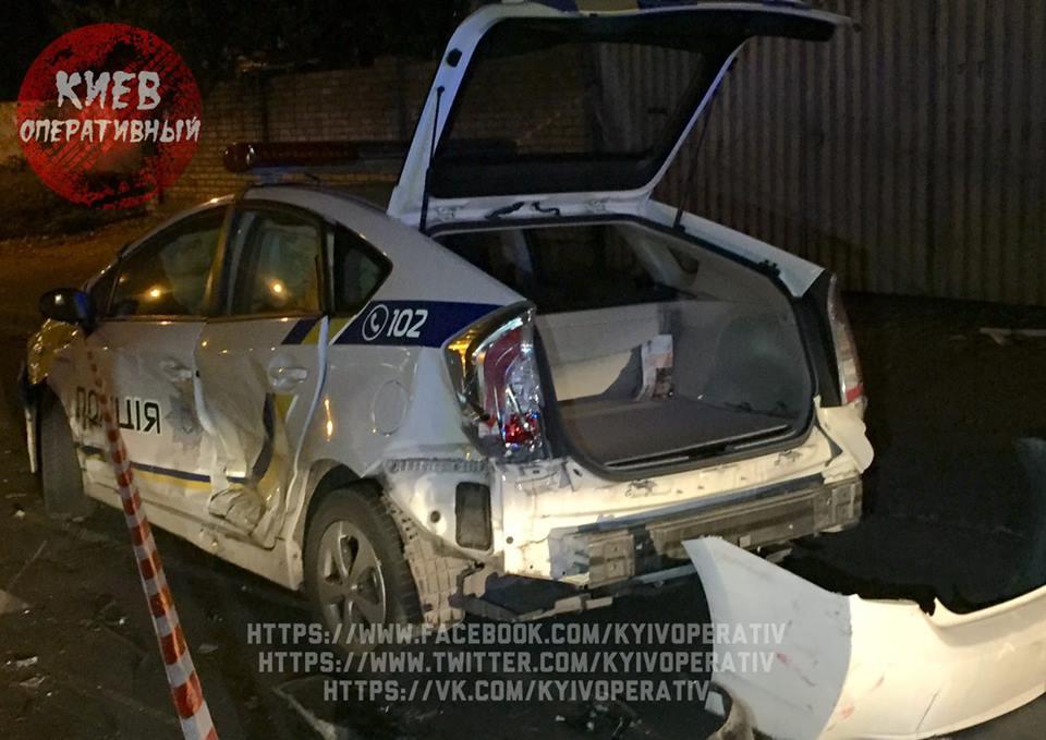 Сын депутата совершил ДТП и разбил полицейскую Тойоту 3
