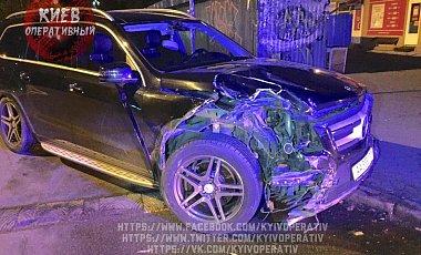 Сын депутата совершил ДТП и разбил полицейскую Тойоту 1