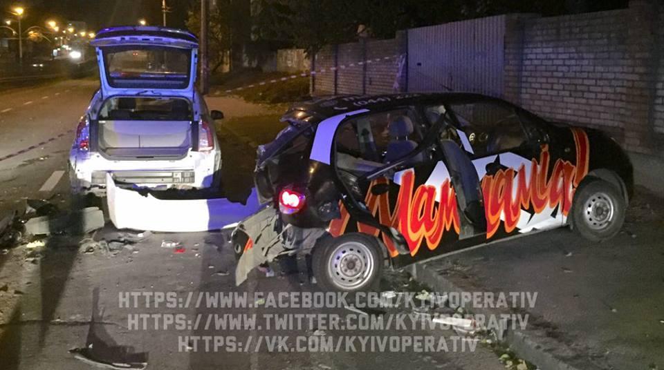 Сын депутата совершил ДТП и разбил полицейскую Тойоту 2