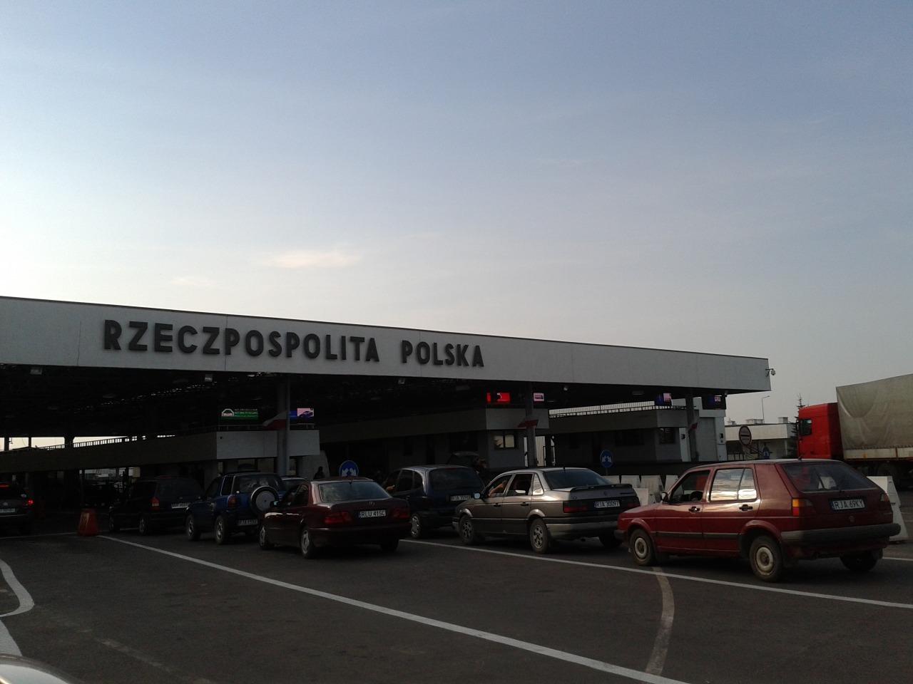 Очереди на границе с Польшей бьют рекорды 1