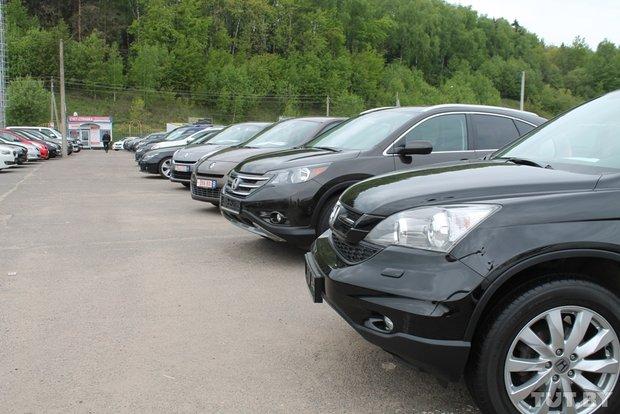 В Украине появился «черный рынок» машин «на польских бляхах» 1