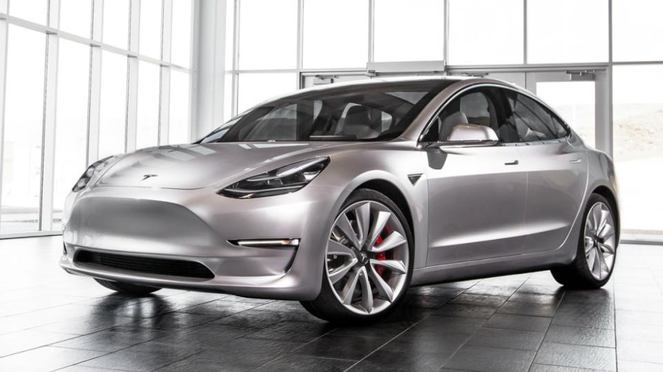 Самую доступную модель Tesla распродали на год вперед 1