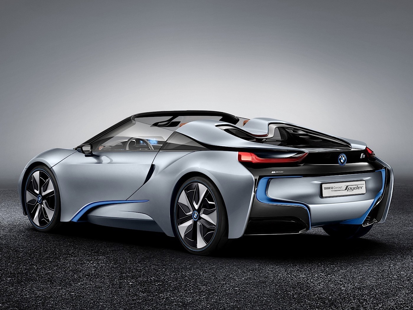 BMW презентует родстер i8 через два года 2
