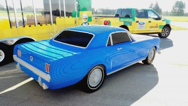 В США собрали Ford Mustang из двух сотен тысяч элементов Lego 1