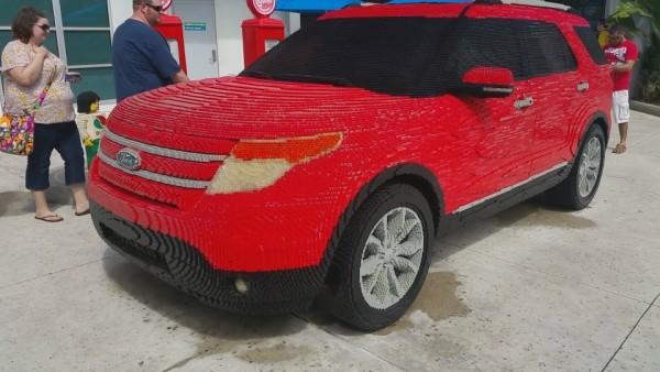 В США собрали Ford Mustang из двух сотен тысяч элементов Lego 2