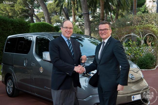 Два электромобиля Nissan e-NV200 пополнили гараж князя Монако 1