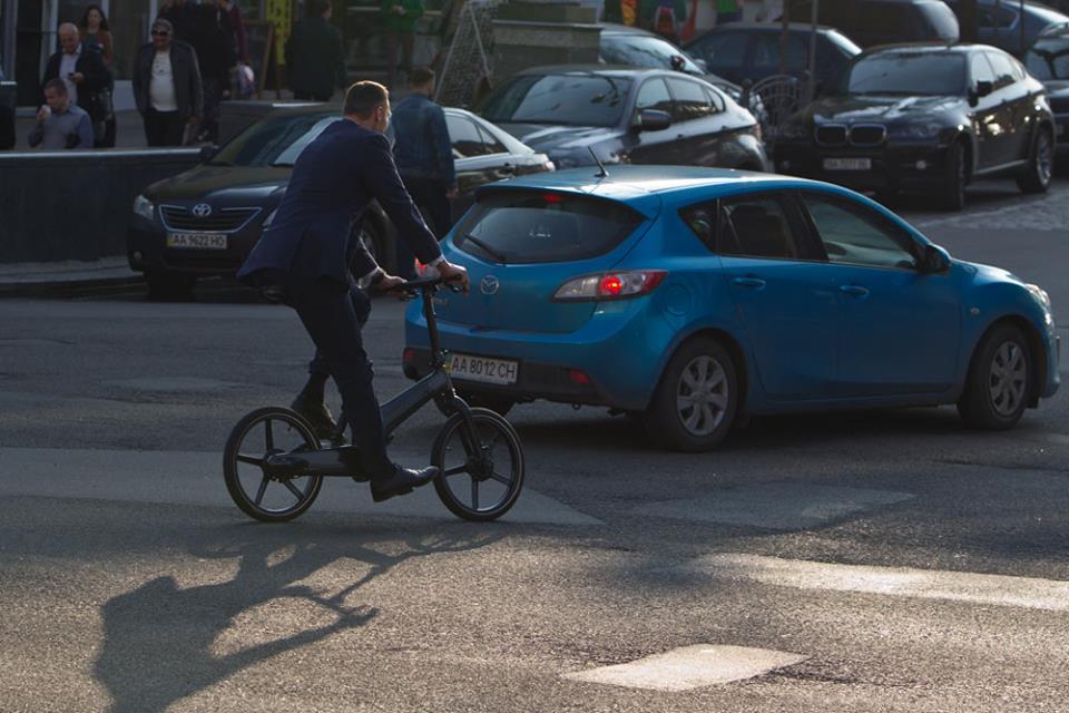 Виталий Кличко жалуется, что на дороге его «не уважают» другие водители 4