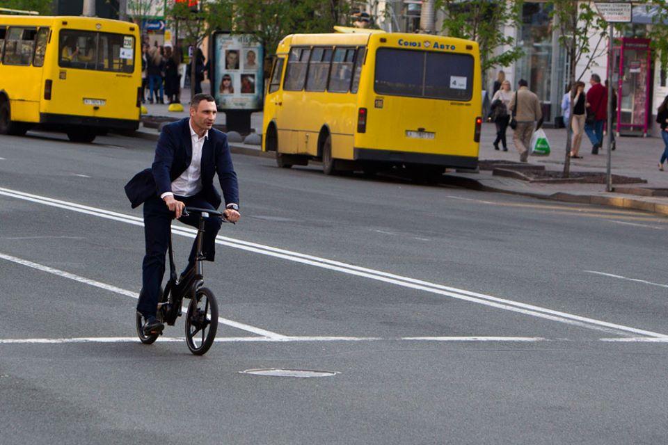 Виталий Кличко жалуется, что на дороге его «не уважают» другие водители 3