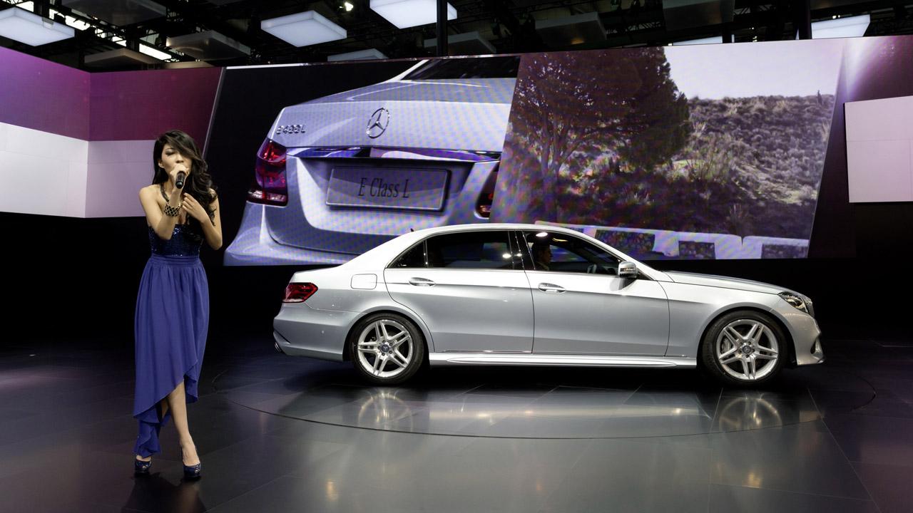 Удлиненный Mercedes-Benz E-Class представят в Поднебесной 1