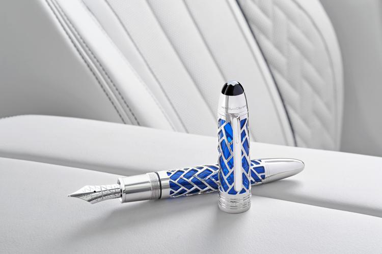 В честь 100-летнего юбилея, покупателям седанов BMW 7-й серии будут дарить ручки 3