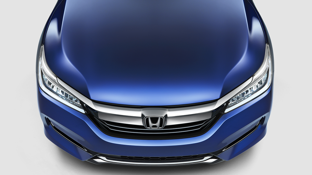 Презентована новая гибридная версия Honda Accord 1