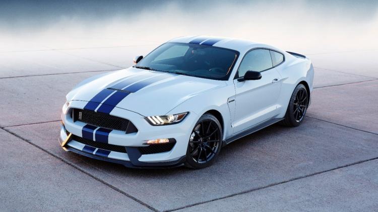 Ford Mustang стал самым продаваемым спорткаром в мире 1