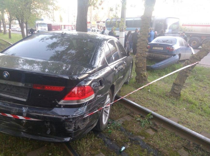 Автоледи за рулем BMW каталась пьяная, задним ходом, «по встречке» 1