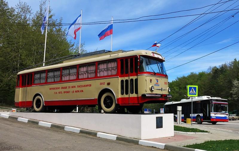 Крым - обитель лжи: к чешскому троллейбусу приделали крест 2