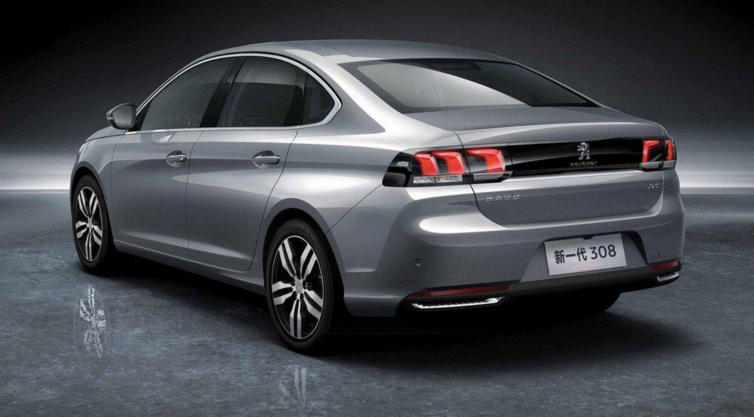 Презентованный на автошоу седан Peugeot 308 стал просторнее 2