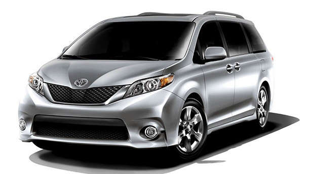 Обновленная Toyota Estima: с новыми фарами и спортивными бамперами 1