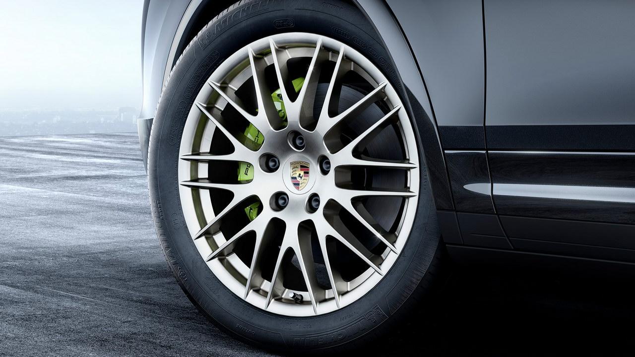 Марка Porsche выпустила спецверсию внедорожника Cayenne 2