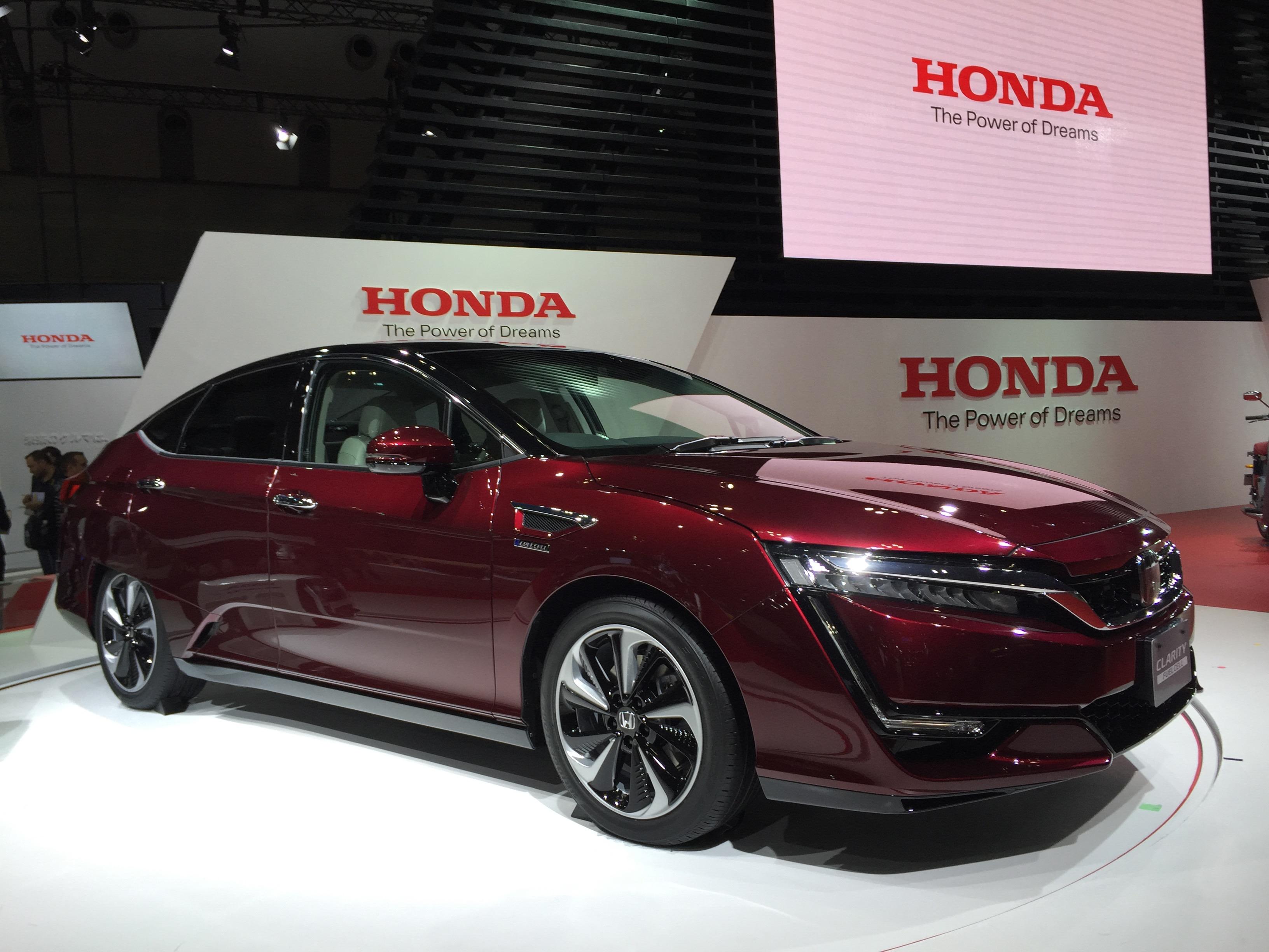 Honda выпустит сразу две новые модификации седана Clarity 1