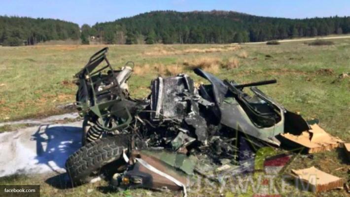 Сразу три внедорожника Hummer «расплющены» об землю во время учений НАТО 1