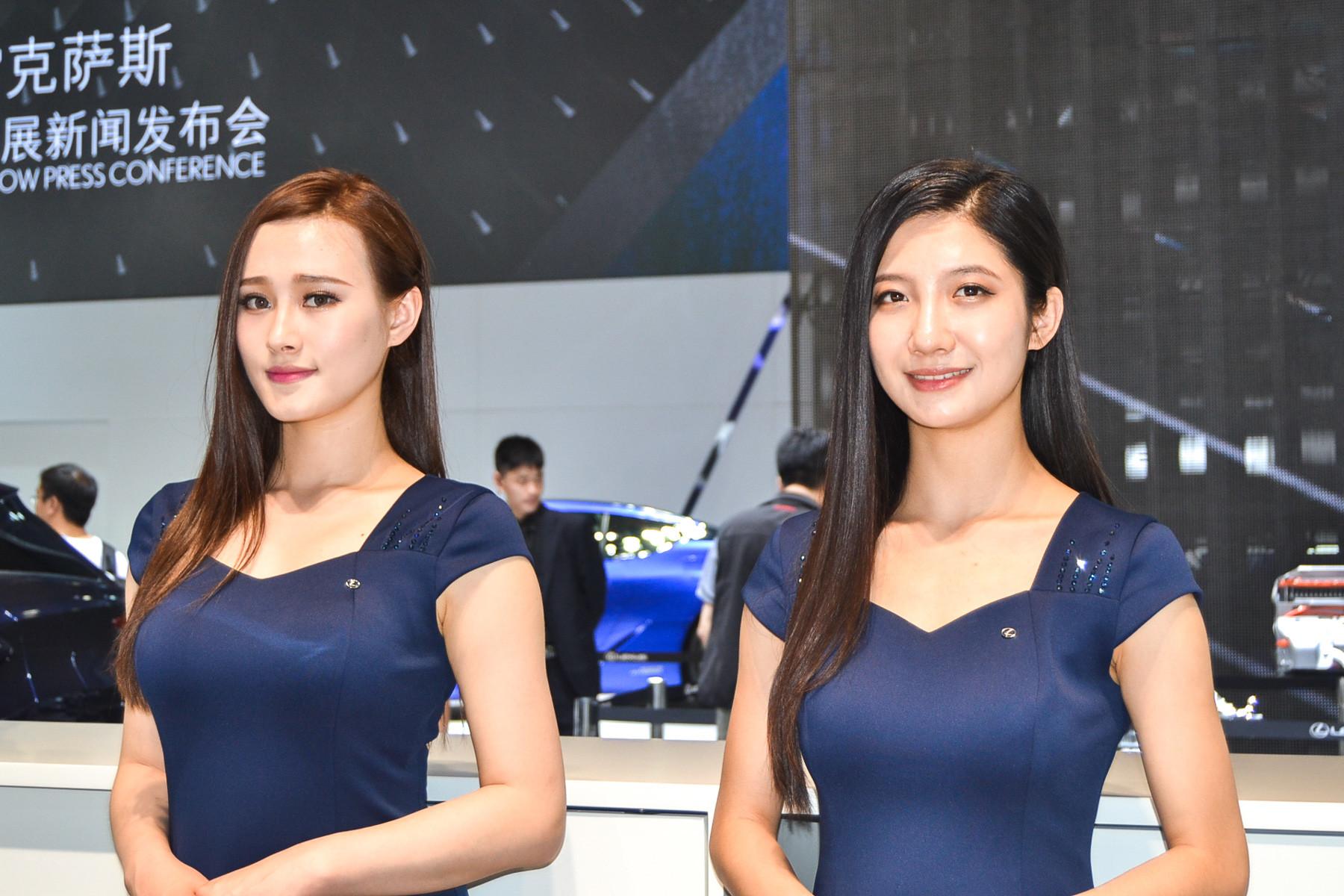 Автошоу в Пекине: место встречи красивейших автоледи 3