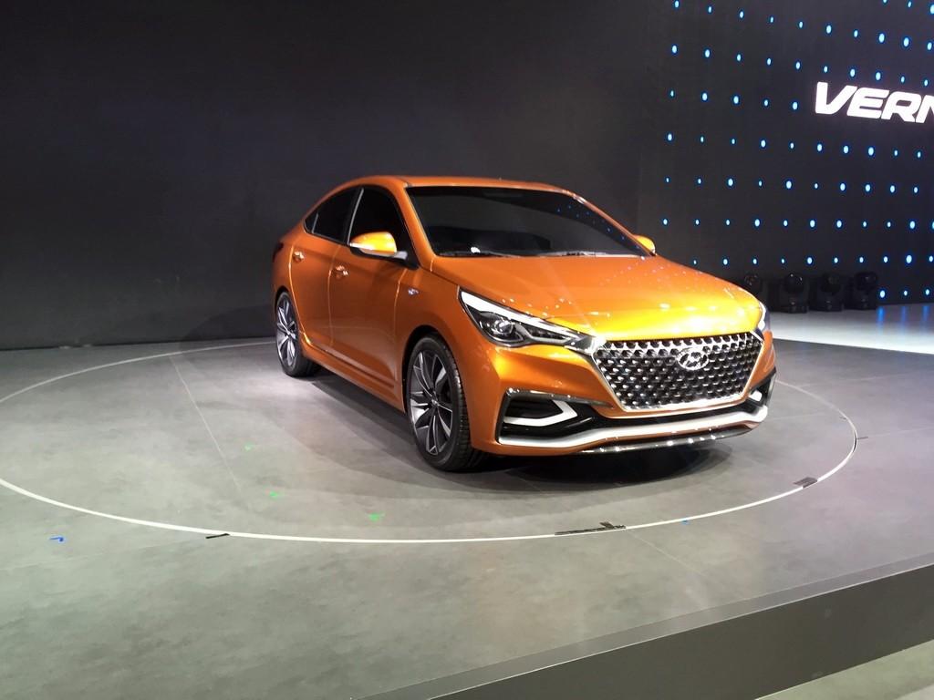 Компания Hyundai показала концептуальный седан Verna 1