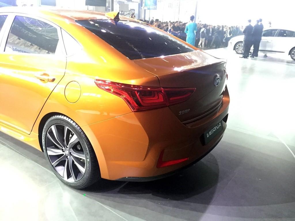 Компания Hyundai показала концептуальный седан Verna 2